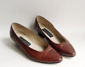 SALE shoes 6.5 / oxford heels / perforated brogue heels / brown leather oxfords / shoes 6.5 / vintage shoes
