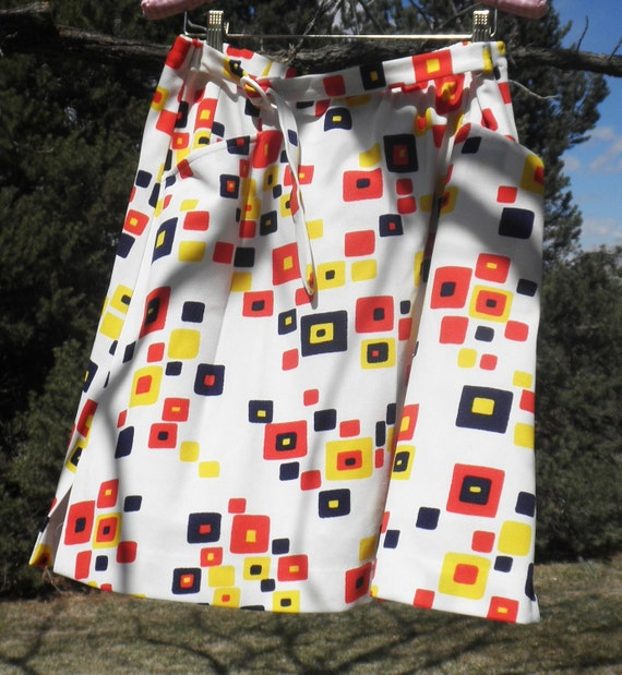 Mod Geometric Mini Skirt Sportswear White and Multicolored Culottes Seventies Skirt by Quantum M/L