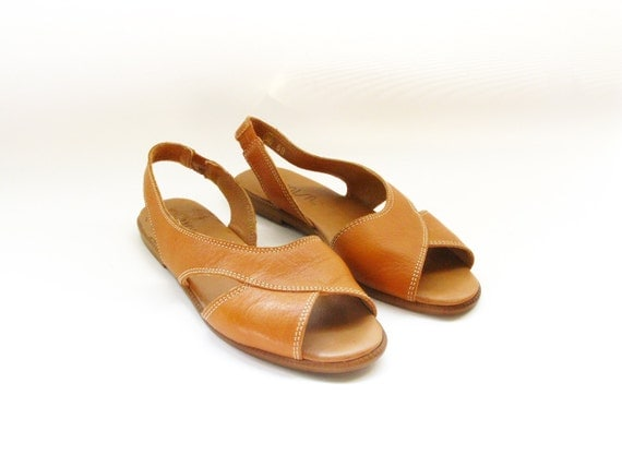 Vintage Brown Leather Slingback Flat Sandals - size 6