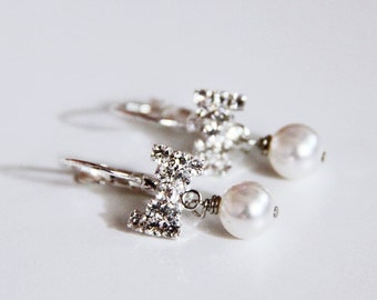 Bow and Pearl Bridal Earrings. White Swarovski E Crystal Pearls. Weddings. Favor. Prom. Bridal Jewelry. Ribbon. Leverback