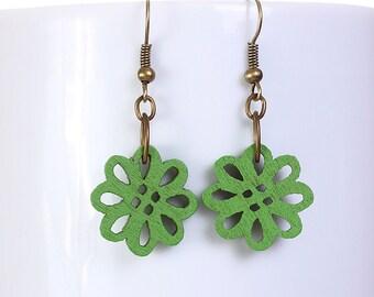 Green wood flower drop earrings (571) - Flat rate shipping