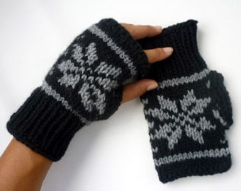 Hand Knitted Wrist warmer- Fingerless mittens-Fingerless Gloves with snowflakes size S-M