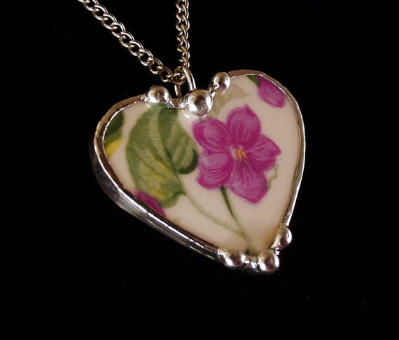 Vintage purple violets chintz broken china jewelry heart pendant necklace