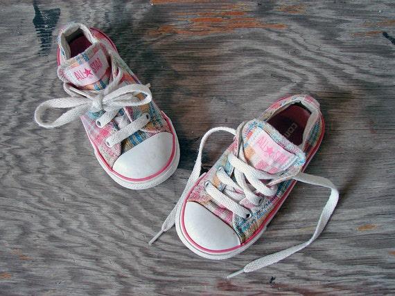 Vintage Toddler Girl Converse Tennis Shoes - Chuck Taylors Kids Size 7 T - Pretty Plaid
