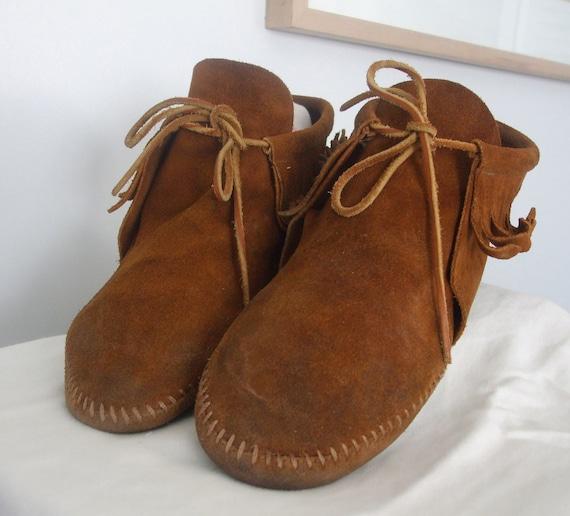 Minnetonka Moccasin Booties Sz 8.5 - Brown Suede