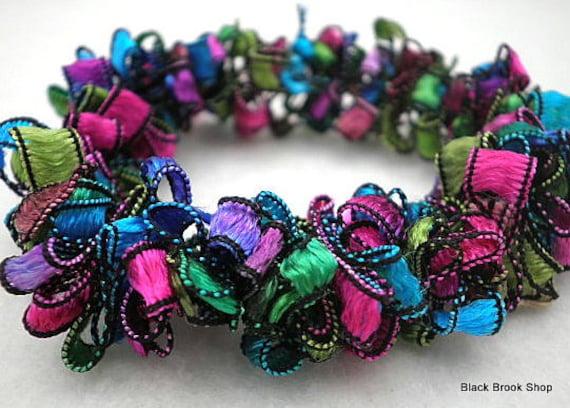 Turquoise & Hot Pink Trellis Ribbon Stretch Bracelet