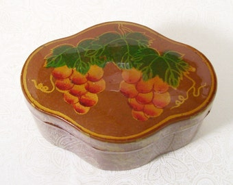 Grapes Leaves Box Lacquered Bronze Wood Trinket Jewelry Ring Vintage
