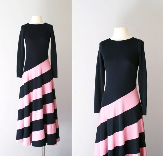 70s dress / 1970s jersey maxi dress / Downward Spiral dress