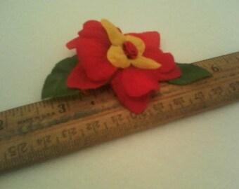 Red flower gator clip