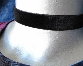 """5/8"""" (16mm) Adjustable Plain Black Velvet Choker"""