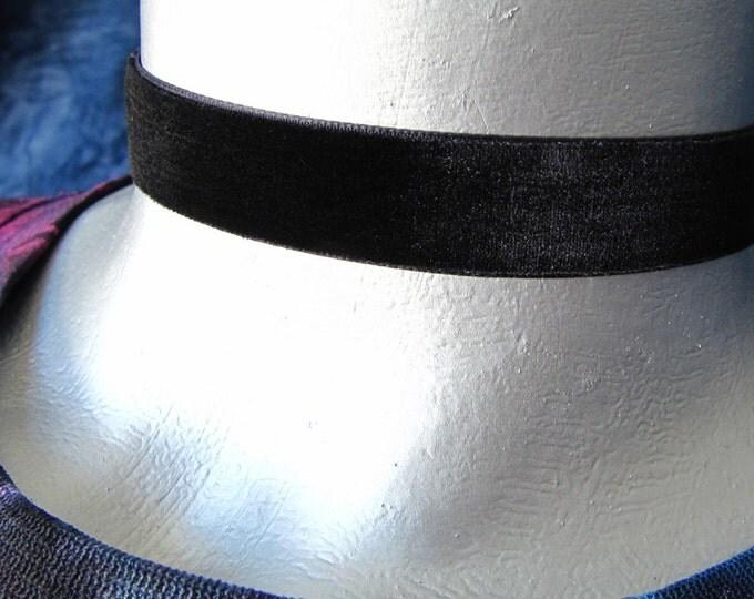 """5/8"""" (16mm) Adjustable Plain Black Velvet Ribbon Choker"""