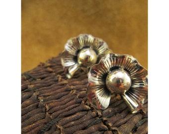 Flower Blossom Screw Back Vintage Non Pierced Earrings by Danecraft