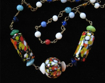 Speckled Glass Beaded Necklace