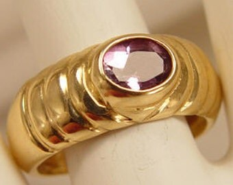 Alluring Amethyst Solitaire 14Kt Gold Ring Vintage Estate Jewelry Size 9