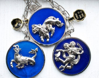 12 Vintage 1970s Royal Blue and Silver Zodiac Necklace // 12 Signs
