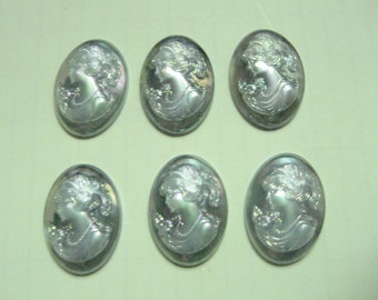 New Old Stock 6 pieces 18x13mm Grey Iridescent Cameos