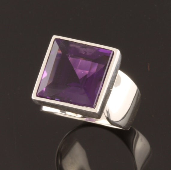 Sterling Silver Ring set with one 12mm square facet cut Amethyst