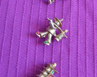 Vintage Chinese Brooch, Scatter Pins  Gold metal.  1950's
