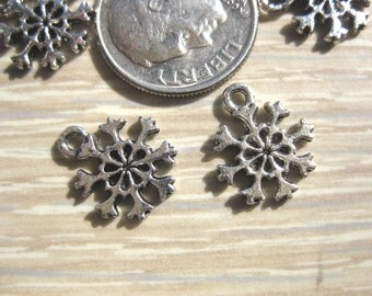 small Snowflake Charm Tibetan Silver Jewelry Supply 8 pieces