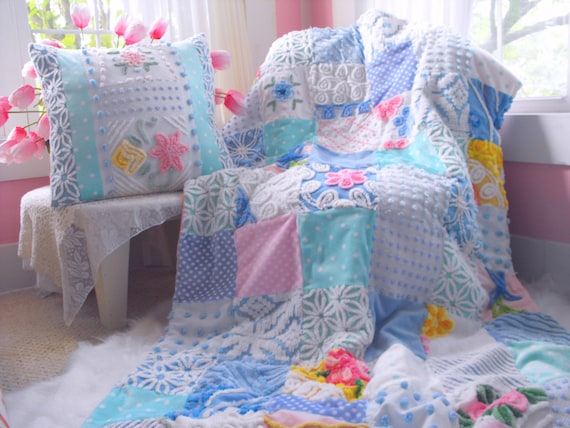 GORGEOUS WARM SNUGGLY Vintage Chenille Patchwork Throw Quilt And Pillow Set