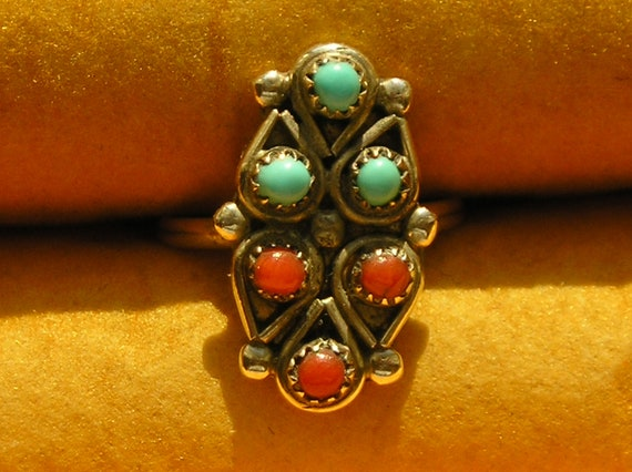 Southwest Sterling Silver Petit Point / Snake Eyes Turquoise Coral Ring