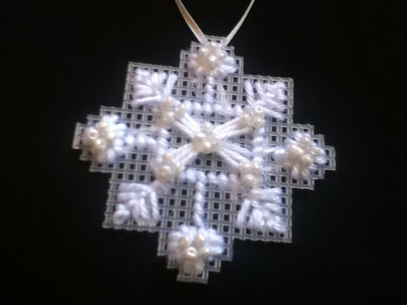 Snowflakes with pearls