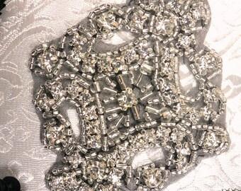XR5 Black Backing Alexis Glory Crystal Glass Rhinestone Silver Beaded Applique  (XR5-bkcr)