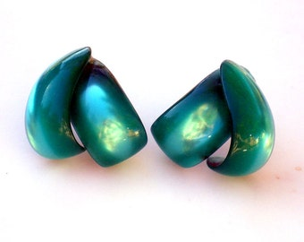 Vintage Green Lucite Earrings - Screw Backs/ Modern Abstract / 1940s