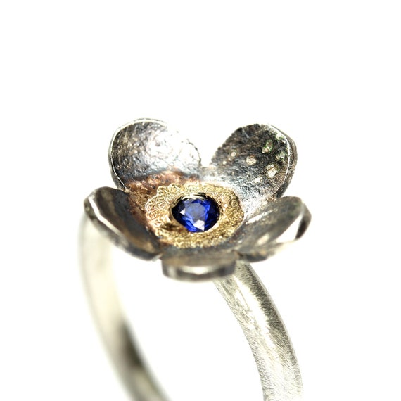 Silver Gold Blue Sapphire Flower Ring - Vergissmeinnicht