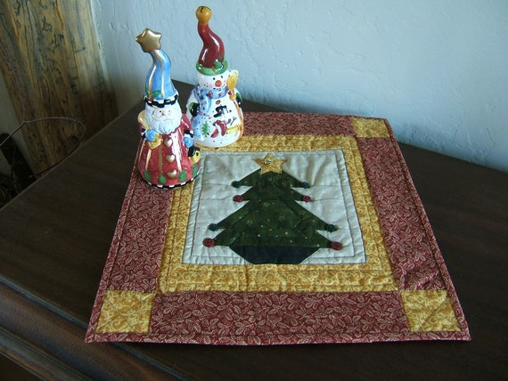Christmas Table Topper or Small Wall Hanging