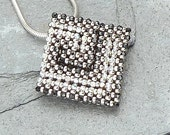 Little Labyrinth ( beaded pendant)/ PDF file