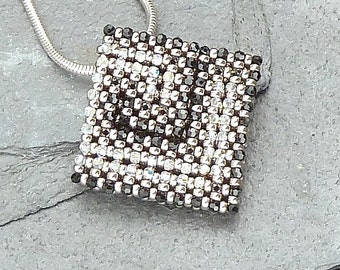 Little Labyrinth ( beaded pendant)/ PDF file