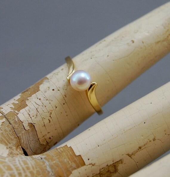 devika g alternative promise ring by lusterwear on