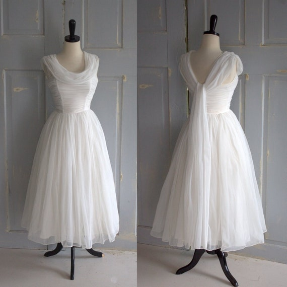 Vintage 1950s wedding dress 50s wedding dress tulle full skirt for Full skirt wedding dress