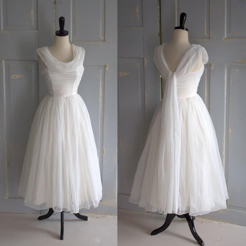 Vintage 1950s Wedding Dress 50s Wedding Dress Tulle Full Skirt