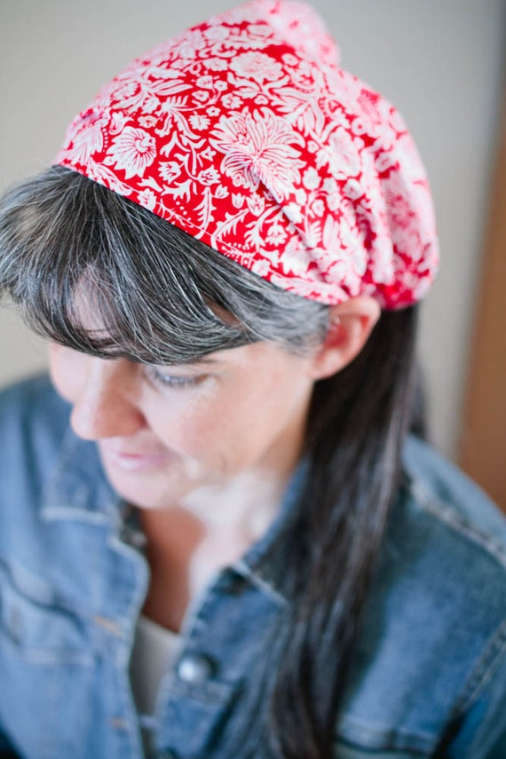 Red and White Floral Extra Wide Convertible Headcovering