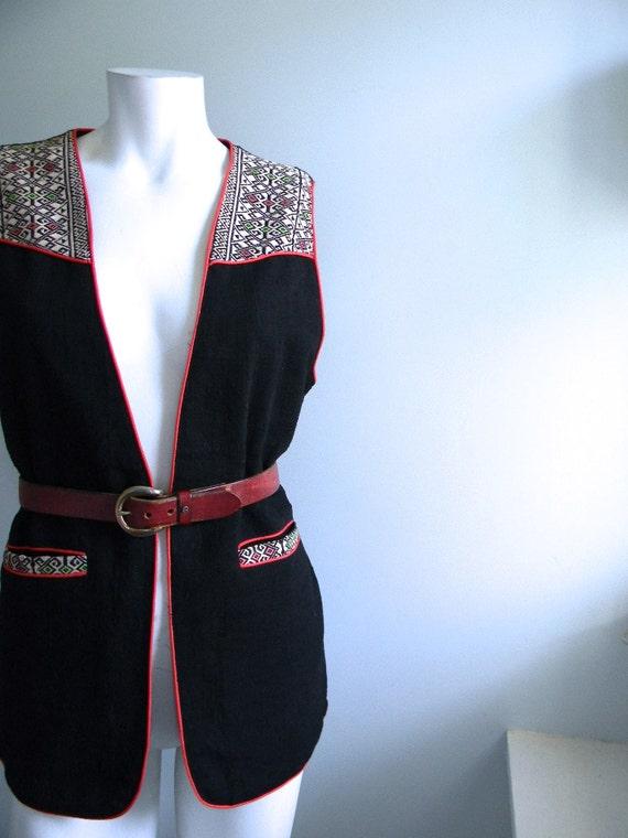 vintage.  Black Aztec Print Cotton Vest // M L