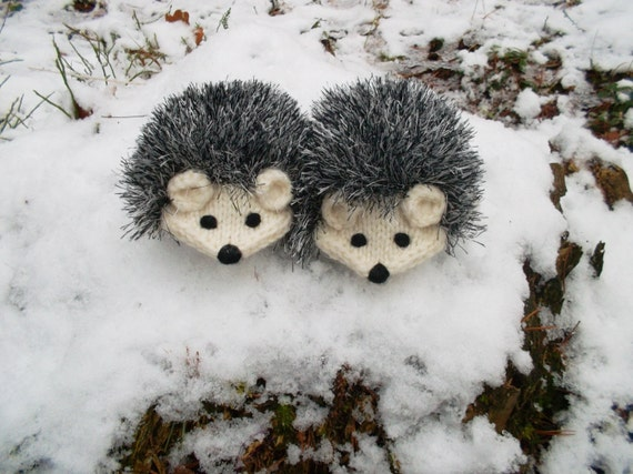 Made to order Hand Knit Cream White Hedgehog Mittens Gloves Children Warm