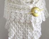 White shawl // Crochet shawl // bridal shawl // white scarf // warm wrap // warm cozy