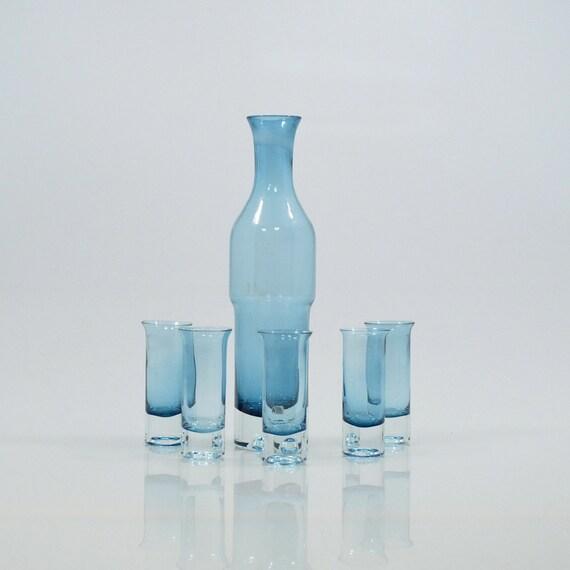 Reserved for Nils Vi n t a g e Danish Modern Blue Hand Blown Aseda Glass Liquor Decanter with 5 Shot Glasses Bo Borgstrom