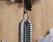 VINTAGE BUTTON HOLER template necklace