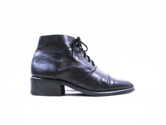 Vintage Chunky Black Leather Lace Up Ankle Boots Size 8.5