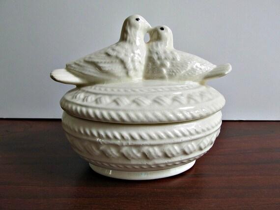 vintage love birds ceramic container in white. Black Bedroom Furniture Sets. Home Design Ideas