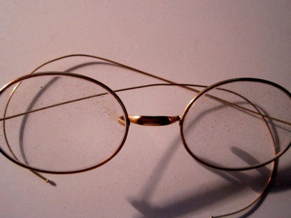 Wire rim reading glasses-OLD