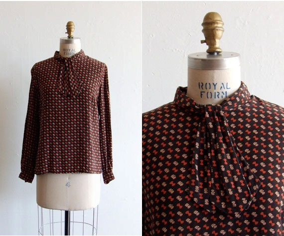SALE////Vintage 1980s printed silk ascot blouse
