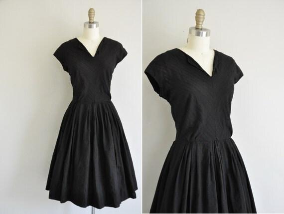 vintage dress / 50s black vintage dress / 1950s cotton full skirt dress