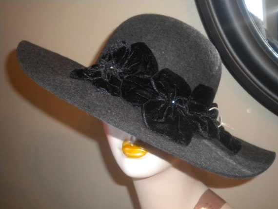Womens gray wool wide brim hat with black velour flowers -womens Fall hat -Womens dress hat