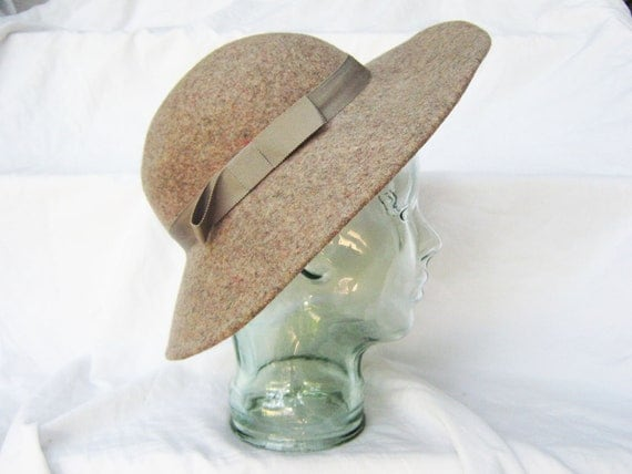taupe / fawn brown felt wide brim hat 70's bohemian