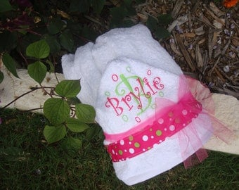 Personalized Hooded Towel Baby Gift Embroidered with Child's Name, Initials, and Bubbles