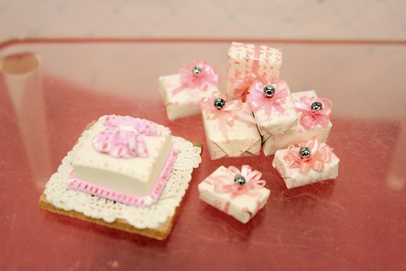Miniature Pink Decorated Cake & Presents Dollhouse Party